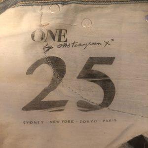 One Teaspoon Shorts - One teaspoon Bonitas distressed low rise shorts 25